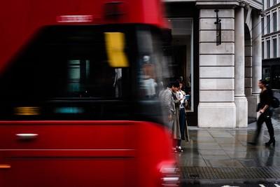 被判死刑 他逃到英國睡21年巴士