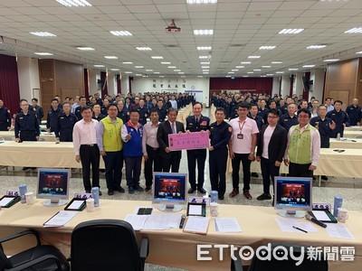 台南市議會慰問市警局