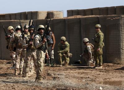 美軍駐伊拉克基地 再遭火箭彈攻擊