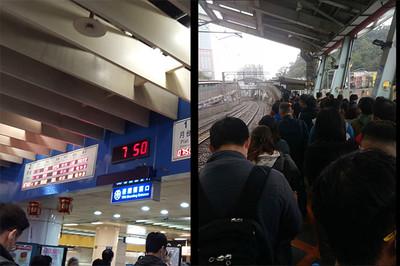 即/台鐵「七堵-南港」誤點1小時 通勤族崩潰