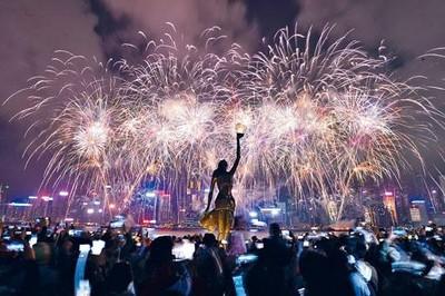 香港政府因安全風險或取消年初二煙花匯演!