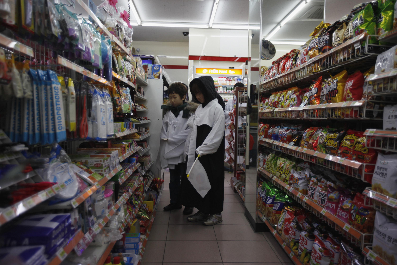南韓研究曝青少年肥胖要因! 家附近「便利商店」越多高中生越易胖