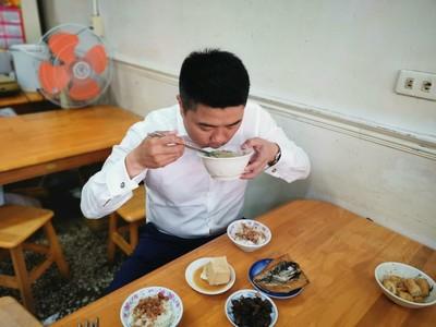魯肉飯配虱目魚 顏寬恒:吃飽再工作