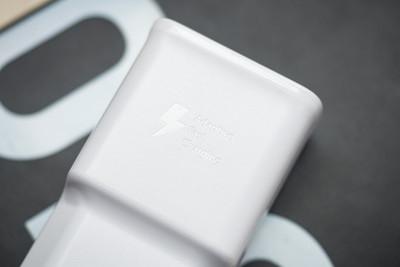 外媒爆料三星新機Galaxy Z Flip充電比S20慢 搭25W充電器