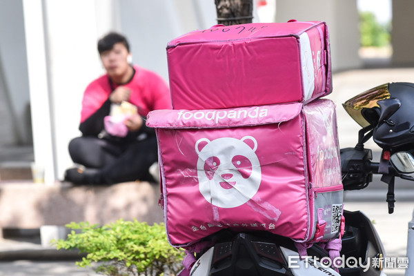 ▲foodpanda熊貓外送,外送員罷工記者會。(圖/記者林敬旻攝)