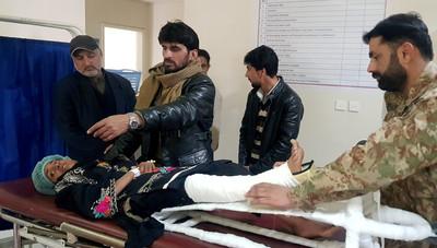 巴基斯坦雪崩 童遭埋18小時獲救