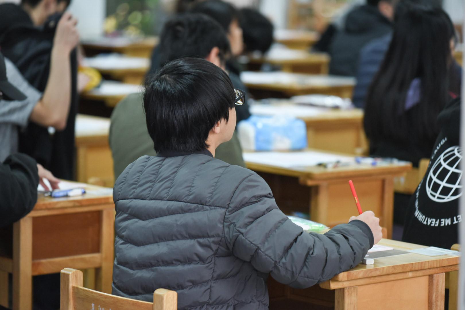 ▲大學學測,考生準備考試。(圖/記者林敬旻攝)