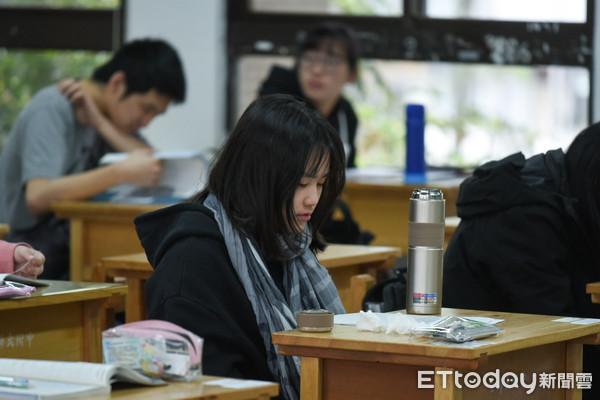 學測國文選擇「文言、白話文兼顧」 補教師:考題訓練別死讀書