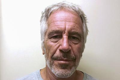 富豪艾普斯坦被絞殺 法醫爆料驗屍證據