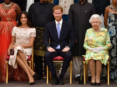 梅根退出王室「背後計畫被親姐看透」續攀大咖鋪路