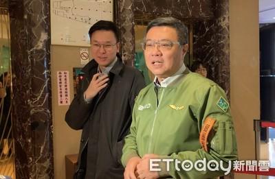 卓榮泰預告:小英「勝選版」飛行夾克將無限量開賣