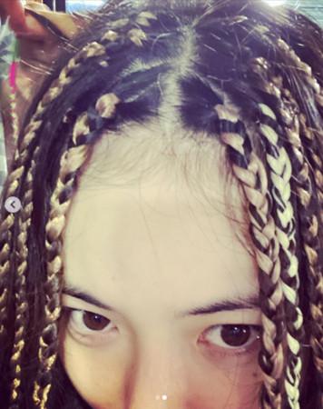 ▲▼泫雅。(圖/翻攝自Instagram/hyunah_aa)
