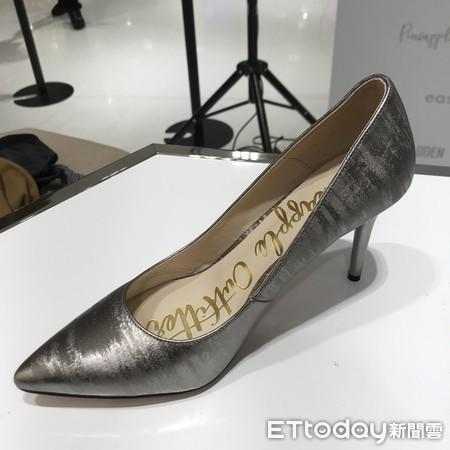 ▲林映唯訂製鞋。(圖/記者王則絲攝)