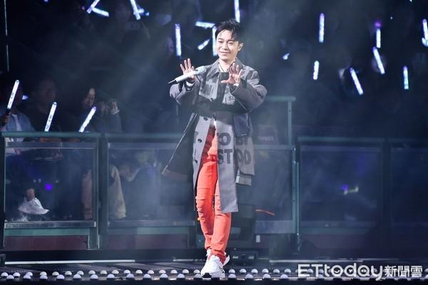 ▲▼吳青峰出席第15屆KKBOX風雲榜頒獎典禮。(圖/記者李毓康攝)