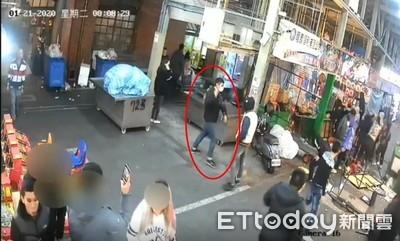 10煞狂砸士林夜市遊戲攤 1店員掛彩
