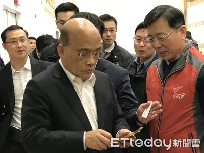 LIVE/被罵狗官 蘇貞昌視察「疫情指揮中心」親自回應