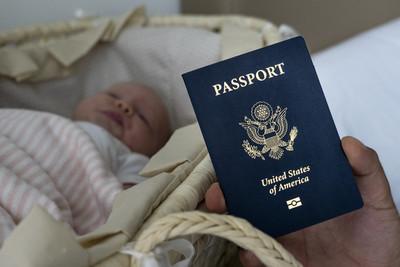 川普將管控生育旅遊 防止到美國產子