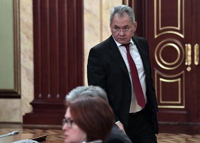 俄羅斯新內閣就位 國防、外交部長留任