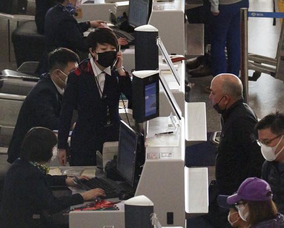 ▲▼武漢肺炎北京機場人潮。(圖/達志影像/美聯社)