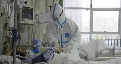 扯醫護人員口罩吐口水 發燒男:都別想活