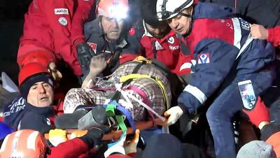 土耳其780次餘震 死亡人數達38人