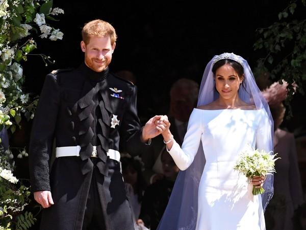 ▲哈利王子選「深藍制服」結婚。(圖/路透社)