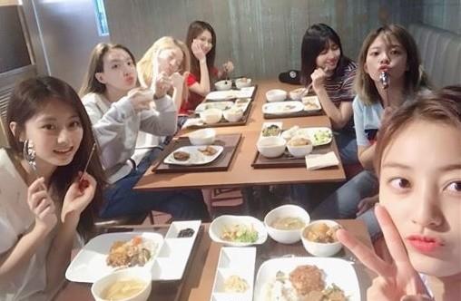 子瑜推爆的員工餐菜色超狂! 「每年花5600萬餐費」…JYP社長曝唯一堅持
