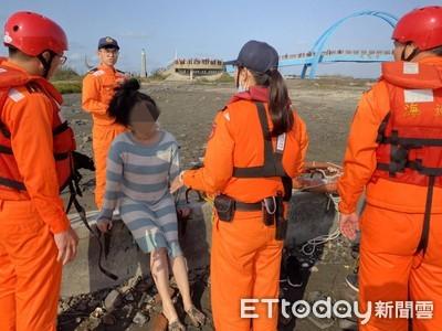 王功海域女獨走向外海…逢滿潮差點被淹沒