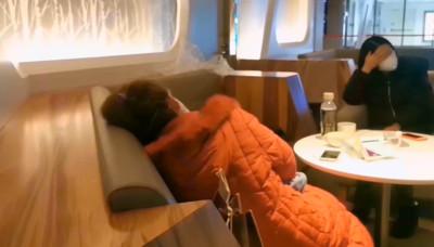 陸客禁入境 機場睡整晚崩潰