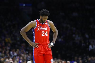 恩比德穿24號「後仰跳投致敬Kobe」