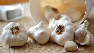 「吃大蒜」有效對抗武漢肺炎?世衛組織公布解答:大蒜很健康,但是…