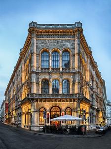 來趟東歐慢遊朝聖世界三大咖啡館