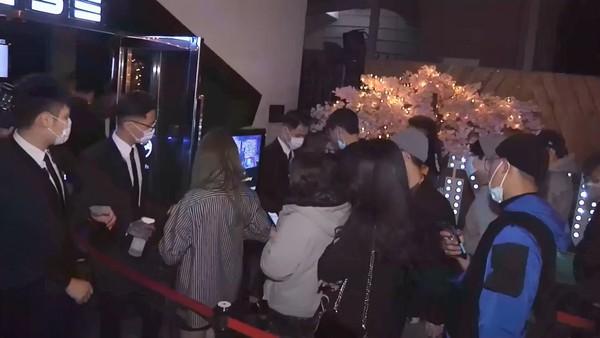 ▲▼台中知名夜店推出口罩派對。(圖/東森新聞)