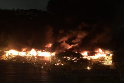 即/士林景觀餐廳大火!惡火紅光照台北