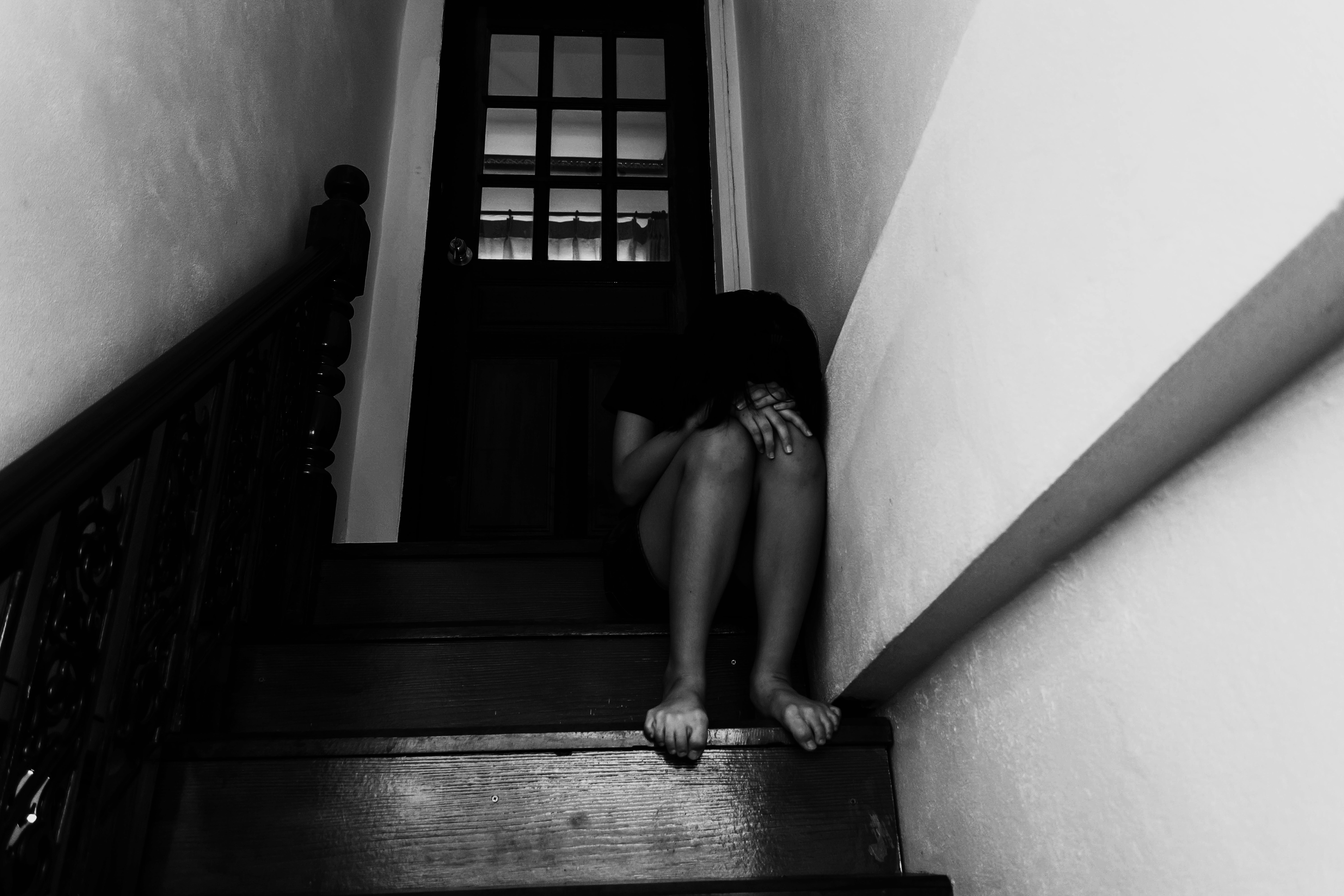 ▲▼示意圖,性侵,絕望,暴力,家暴,恐懼,情緒,暗,害怕,強姦,虐童,虐待,社會。(圖/取自免費圖庫123RF)