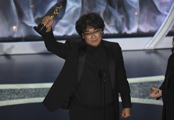 奧斯卡/史上第一次!南韓神片《寄生上流》抱走最佳影片 打破李安紀錄