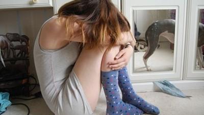不該把你生下來!家庭陰影造成「都是我害的」症候群 3句話擺脫自我苛責