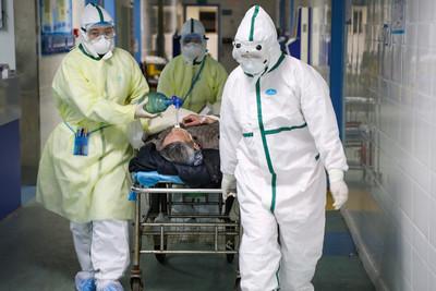 一線醫務人員確診1716例、6死 陸衛健委:因履職感染,認定為工傷
