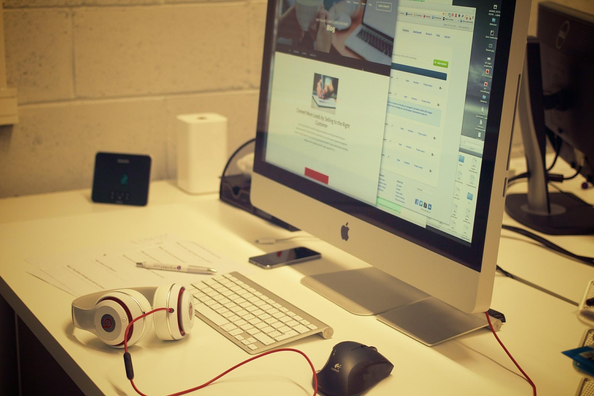 ▲網路,鍵盤,酸民,鄉民,電腦,打字,社群。(圖/取自免費圖庫Pixabay)