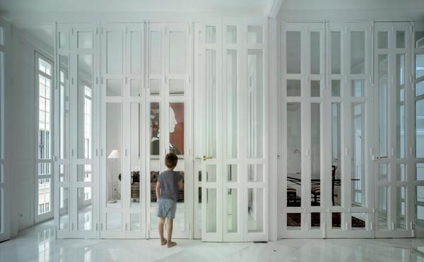 這棟西班牙住宅就像變形「玩具」 回收141扇舊木門施展空間魔法