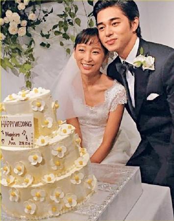東出昌大與渡邊杏結婚5年,卻出軌近3年,形象全毀。(網路圖片)