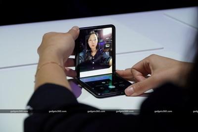 Galaxy Z Flip超酷雙螢幕功能未來不只三星辦得到
