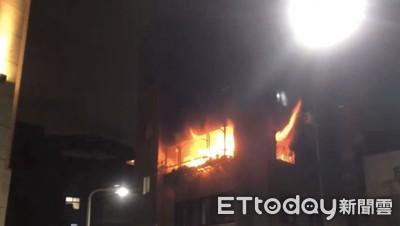 松江路住宅起火 烈焰窗中竄出