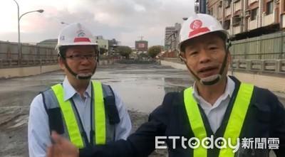 卸下口罩戴上安全帽 韓國瑜回歸市政開直播