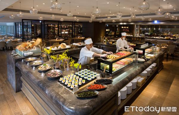 年底前週三限定!凱菲屋及彩日本料理4人同行第4人只要30元    ETt