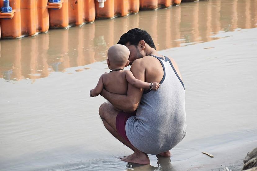 霍亂病毒也被殲滅!印度恆河神祕物質拯救村民 網友:快乾了這碗恆河水