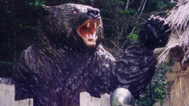 對女人異常執著的熊!日本最慘棕熊襲擊事件 3次闖村尋覓人肉