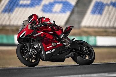 史無前例!杜卡迪「最強跑車」30位幸運車主試乘MotoGP最新廠車