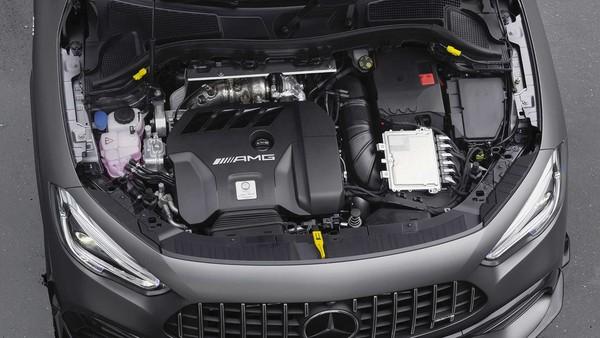 宾士AMG GLA45挑战「地表最速跨界车」?2.0升涡轮榨出382匹最大马力(图/翻摄自宾士)