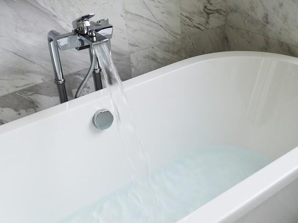 ▲▼浴缸,浴室,洗澡。(圖/取自免費圖庫pixabay)